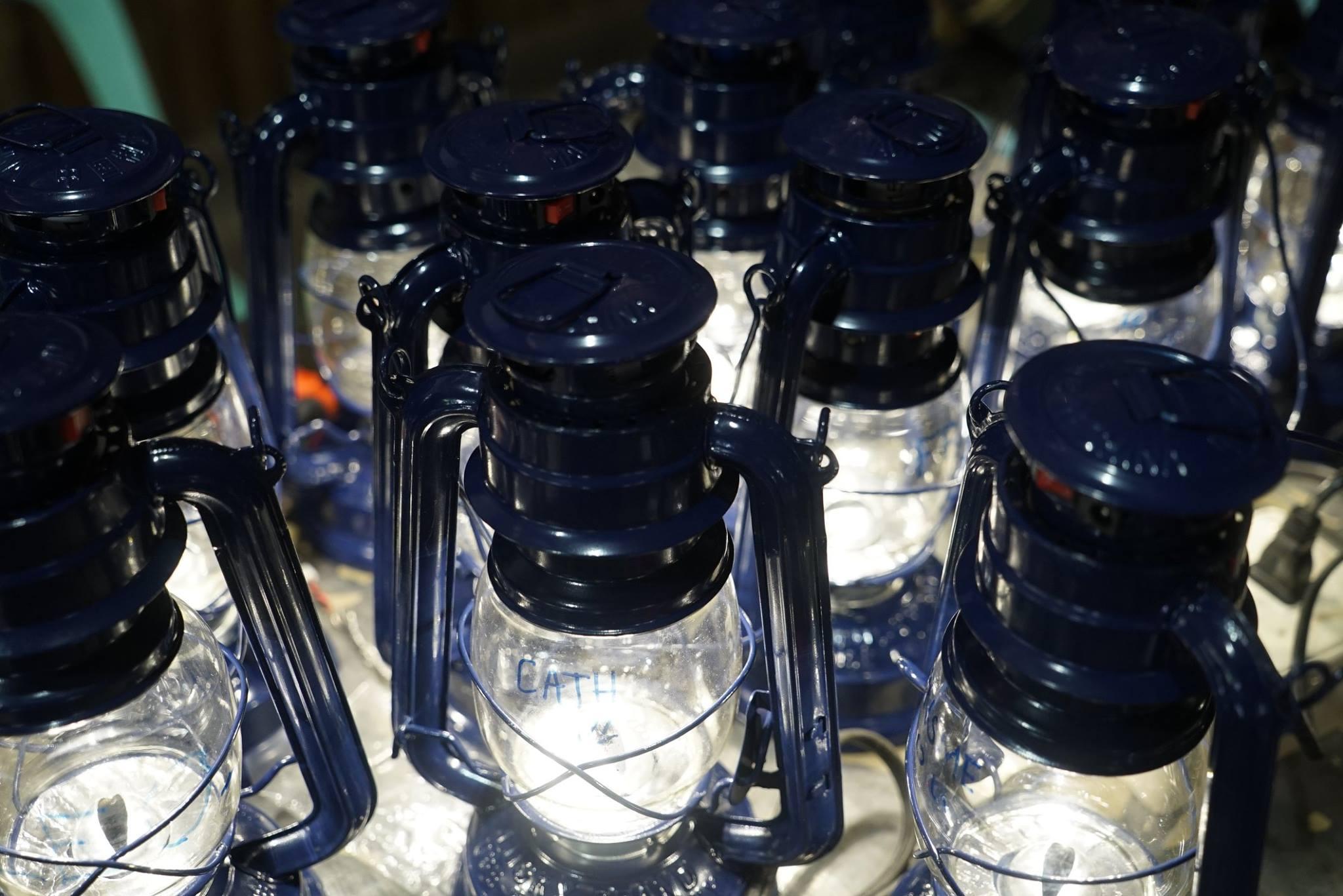 Öllampen lassen sich für rund 5 US-Dollar umrüsten. (Foto: Liter of Light)