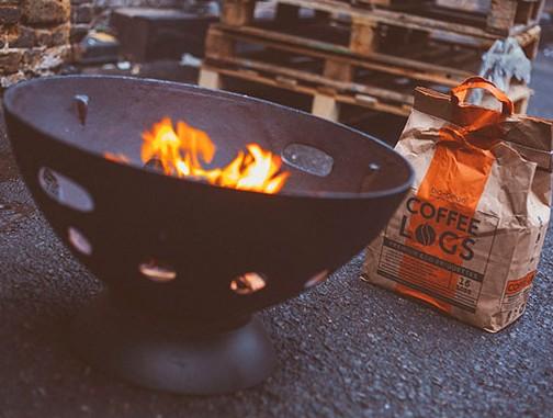 Auch für Feuerschalen oder sogar Grills. (Foto: bio-bean)