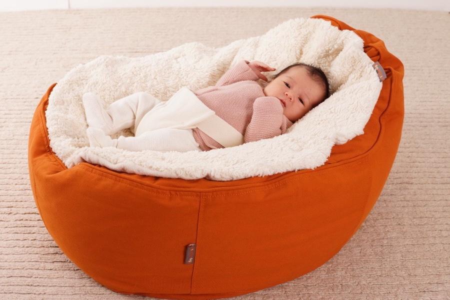 baby ecoegg sitzsack f r babys jetzt auch kologisch. Black Bedroom Furniture Sets. Home Design Ideas