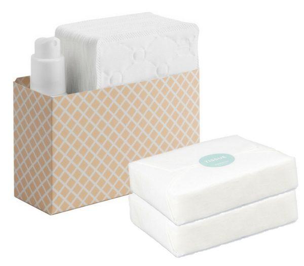 Reinigungswasser und feste Tücher aus Zellulose. (Foto: Josephs Toiletries)