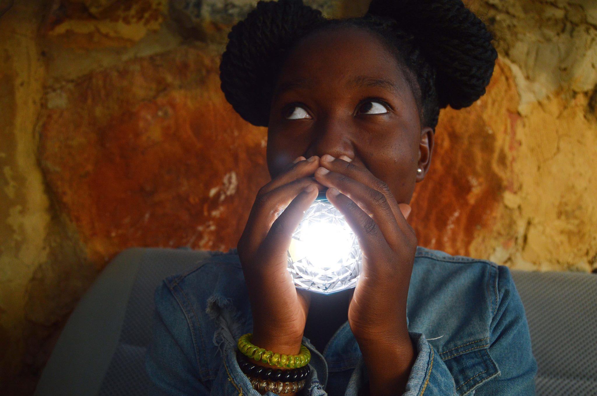 Eine schöne, stylische, praktische Solarlampe. (Foto: Little Sun)