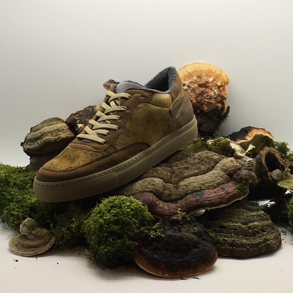 Schon ein wenig verrückt - Leder für Schuhe aus Schwamm. (Foto: nat-2)