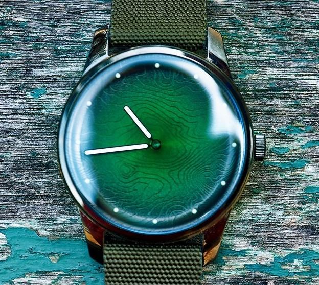 Betrieben wird die Uhr mit Solar. (Foto: Awake Watches)