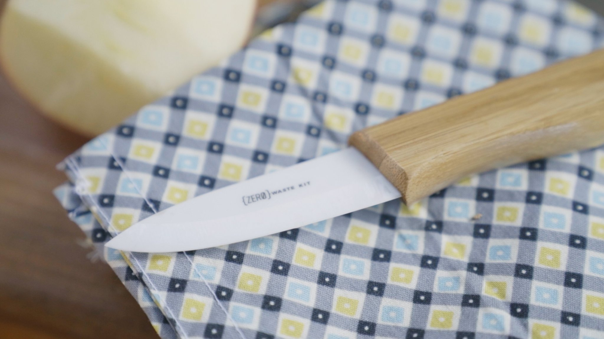 Das Messer besteht aus Keramik und Kork. (Foto: Zero Waste Kit)
