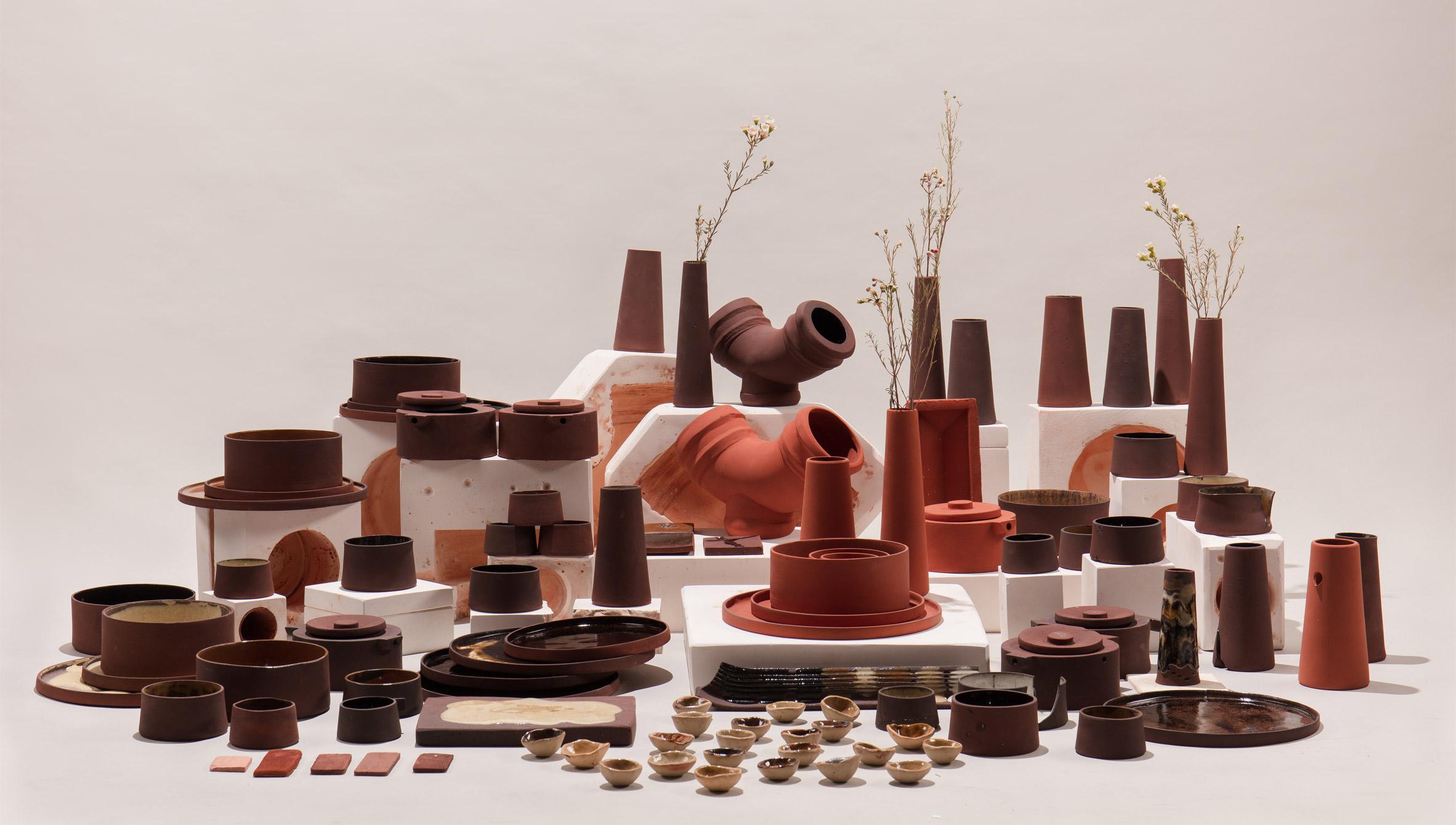 Vielfältige Objekte lassen sich aus Rotschlamm herstellen. (Foto: Royal College of Art)