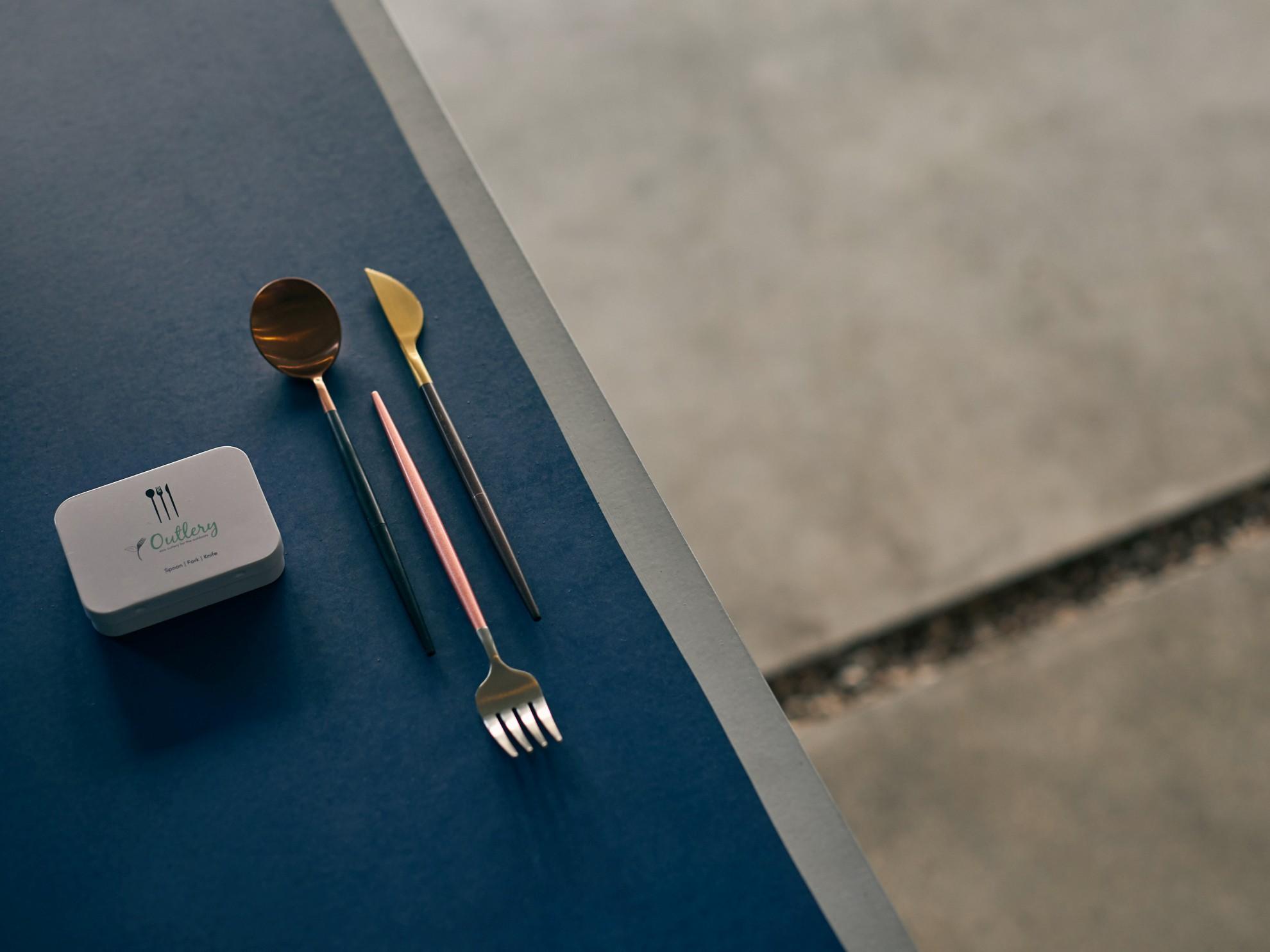 Praktisches Besteck aus Edelstahl zum Zusammenschrauben. (Foto: Outlery)