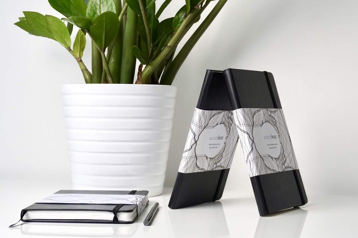 Notizbücher aus Steinpapier - eine gute Idee. (Foto: Woodless)