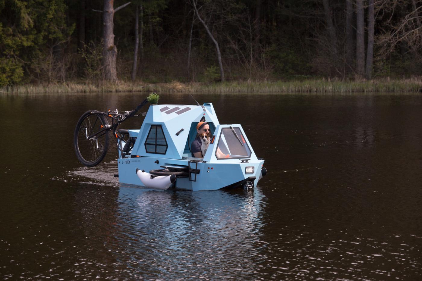 Das ist ein fahrendes und schwimmendes Hausboot! (Foto: Zeltini)
